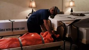 Nueva York investigará las muertes por COVID-19 en residencias de ancianos