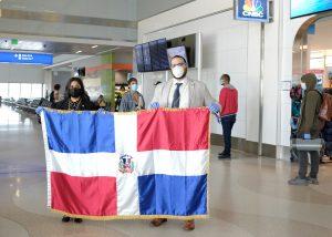 MIAMI: Consulado retorna a RD a 141 dominicanos varados por Covid-19