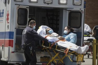 Estados Unidos reportó cifra récord de 1.942 muertes en últimas 24 horas