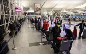 Retornan en vuelo ferry más de 100 dominicanos estaban varados en EU