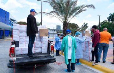 PRM dona equipos protección a médicos y enfermeras hospitales