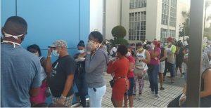 """Cientos de personas que buscaban  tarjeta Solidaridad fueron """"estafadas"""""""