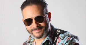 """Pavel Núñez anuncia álbum """"Pavel Trópico"""" para el 15 de mayo"""