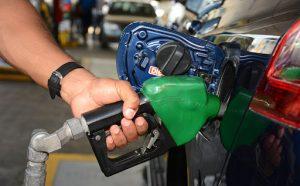 Gobierno sube el gas; rebaja los precios de los demás combustibles