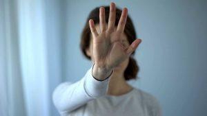Alertan sobre dificultad de víctimas violencia casera para pedir ayuda