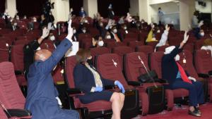 Cámara Diputados aprueba por sólo 15 días más el estado de emergencia