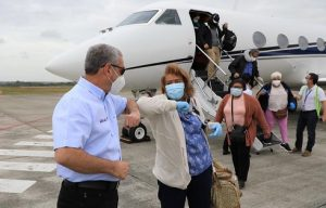 Gonzalo trae a dominicanos desde el exterior por el Día de las Madres