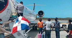 Otros 126 dominicanos regresan a RD desde Europa y América