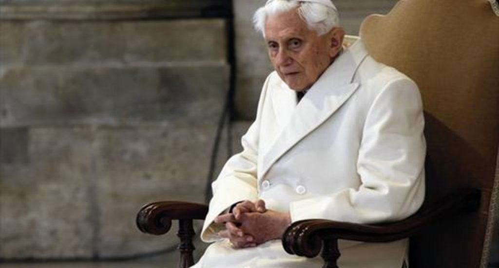 Benedicto XVI compara el matrimonio homosexual con