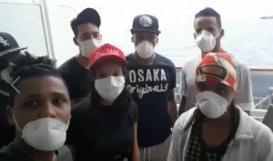 Piden ayuda 15 jóvenes dominicanos varados en barco anclado en Brasil