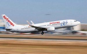 Parte de Santo Domingo un nuevo vuelo de repatriación de españoles