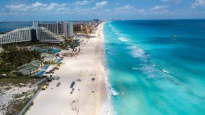 Cancún pierde mil millones de dólares por pandemia de Covid-19