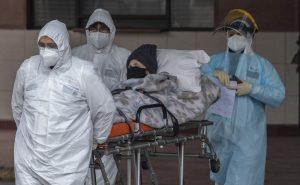La OMS está alerta por persistentes curvas al alza pandemia en América
