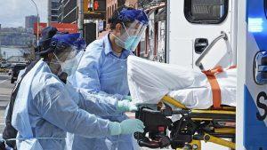 Temen que el brote de coronavirus esté saliéndose de control en EE.UU.