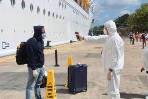 Reciben a 40 tripulantes de cruceros por puerto dominicano La Romana
