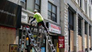Mayoría de dueños de negocios NY son optimistas a medida que reabren