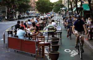 Nueva York se plantea retrasar el reinicio del interior de restaurantes