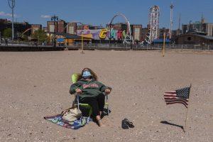 Nueva York abre sus playas con la vista puesta en Día de Independencia