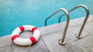 Cinco regiones de NY podrán abrir piscinas y parques este fin de seman