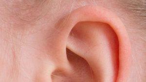 CONSEJOS MEDICOS: Cómo destapar un oído taponado de forma rápida