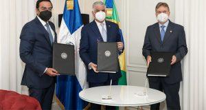 R.Dominicana y Brasil firman protocolo de colaboración en materia comercial