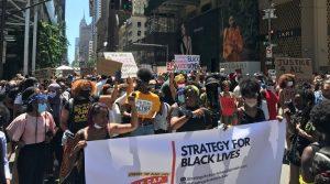 """Marcha en NY reivindica a las mujeres negras en la """"revolución"""" antirracista"""