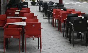 Nueva York reabre las terrazas entre el pesimismo y la incertidumbre