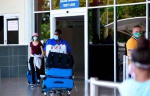 Aeropuerto del Cibao recibe vuelo humanitario con 112 dominicanos