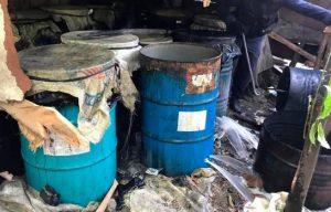 Desmantelan fábrica de bebidas alcohólicas ilegales en Navarrete