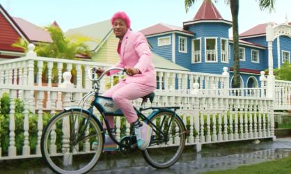 Kiko El Crazy promueve tema urbano La Popi, un remix con varios artistas
