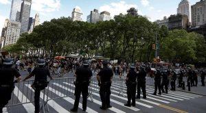Concejo podría recortar mil millones de dólares al presupuesto Policía NY