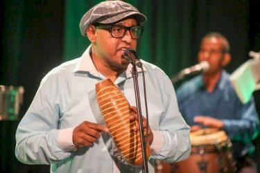 Néstor Pacheco presenta su nuevo álbum «Salsa Swing Saoco y Melao»