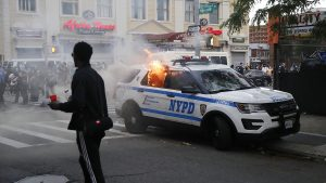 Más de 350 policías han resultado heridos durante las protestas