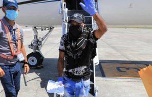 Gonzalo repatría a 11 dominicanos estaban varados en Panamá