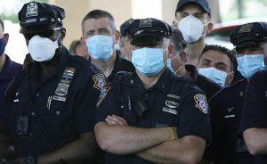 Sindicato acusa a políticos y prensa de tratar agentes Policía como 'animales'