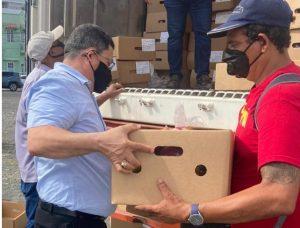 PUERTO RICO: Cónsul dominicano entrega raciones alimenticias