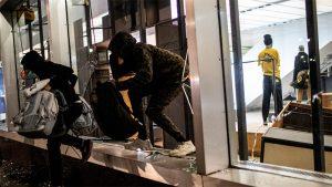 Saqueos y destrozos NYC: Amplían toque de queda a noche del martes