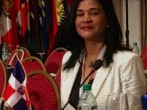 Diplomática RD llama parásitos a dominicanos residentes en EE.UU.