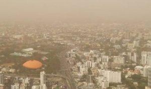 """Advierten sobre efectos nocivos por """"monstruosa"""" nube polvo del Sahara"""