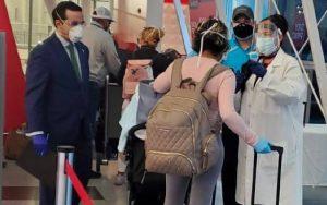Retornan al país 51 dominicanos que estaban varados en Perú y Colombia
