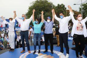 Abinader cierra su campaña; dice  triunfará con un 60 % de los votos