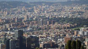 COLOMBIA: Decretan alerta naranja en la capital ante crecimiento COVID-19