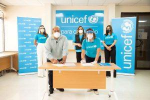 UNICEF entrega 10 toneladas de equipos para personal salud