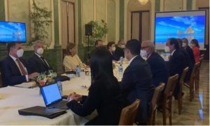 Comisionados Gobierno y del PRM sostuvieron ayer larga reunión