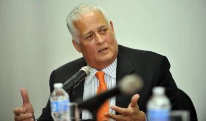 PANAMA: Justicia embarga diario por daños morales a un expresidente