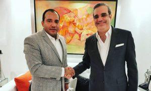 Comunicador Salvador Holguín felicita al presidente electo Luis Abinader