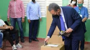 Leonel Fernández espera se respete la voluntad popular en las elecciones