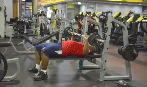 Autoridades anuncian los gimnasios públicos y privados reabrirán 8 de julio