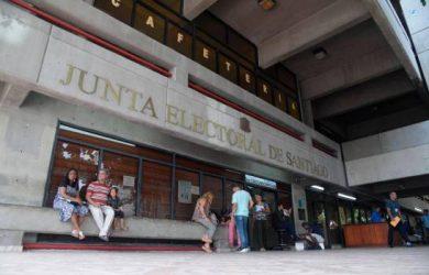 Aplazan medida a implicados en robo a la Junta Electoral de Santiago