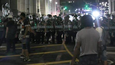 Policía de Nueva York desmantela campamento de manifestantes